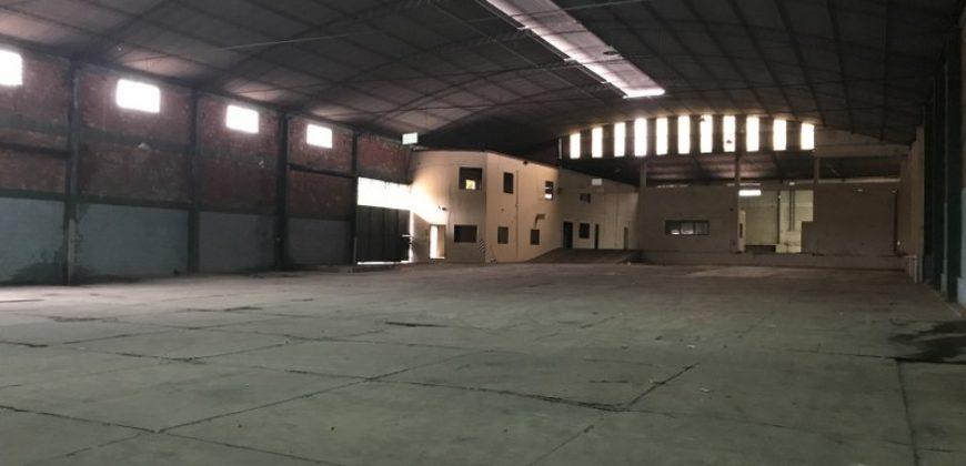 2.700 Mts2 Deposito en San Lorenzo